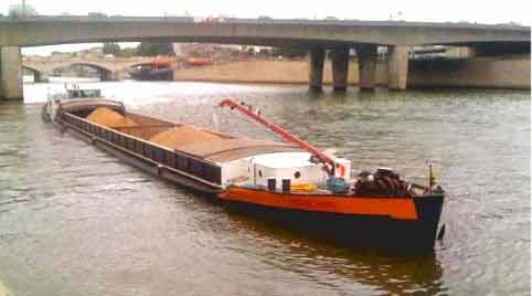 transport fluvial professionnel ouvrages d 39 art et bateaux fluviaux. Black Bedroom Furniture Sets. Home Design Ideas