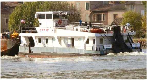 transport fluvial professionnel  ouvrages d u0026 39 art et bateaux